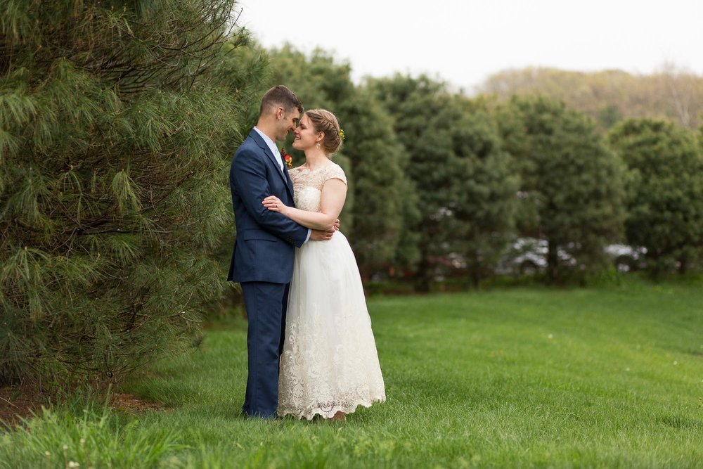 Farmington-Club-Rustic-Picnic-Outdoor-Wedding-25