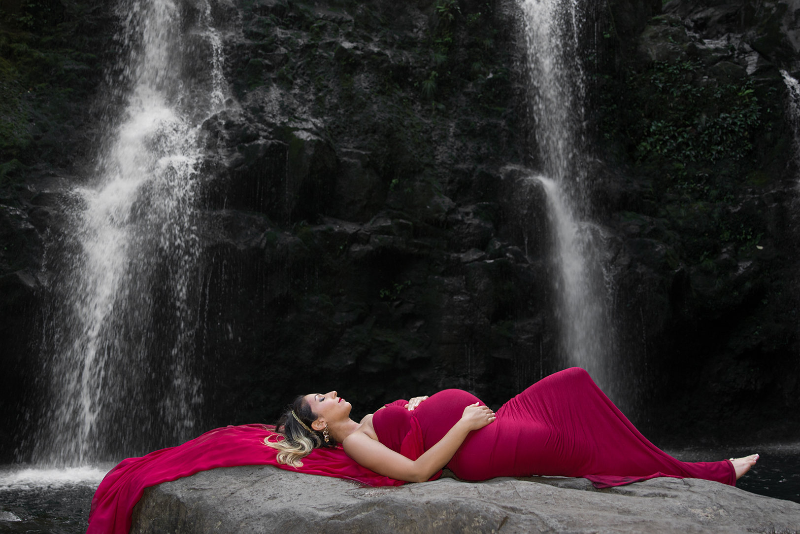 Maui maternity photographers