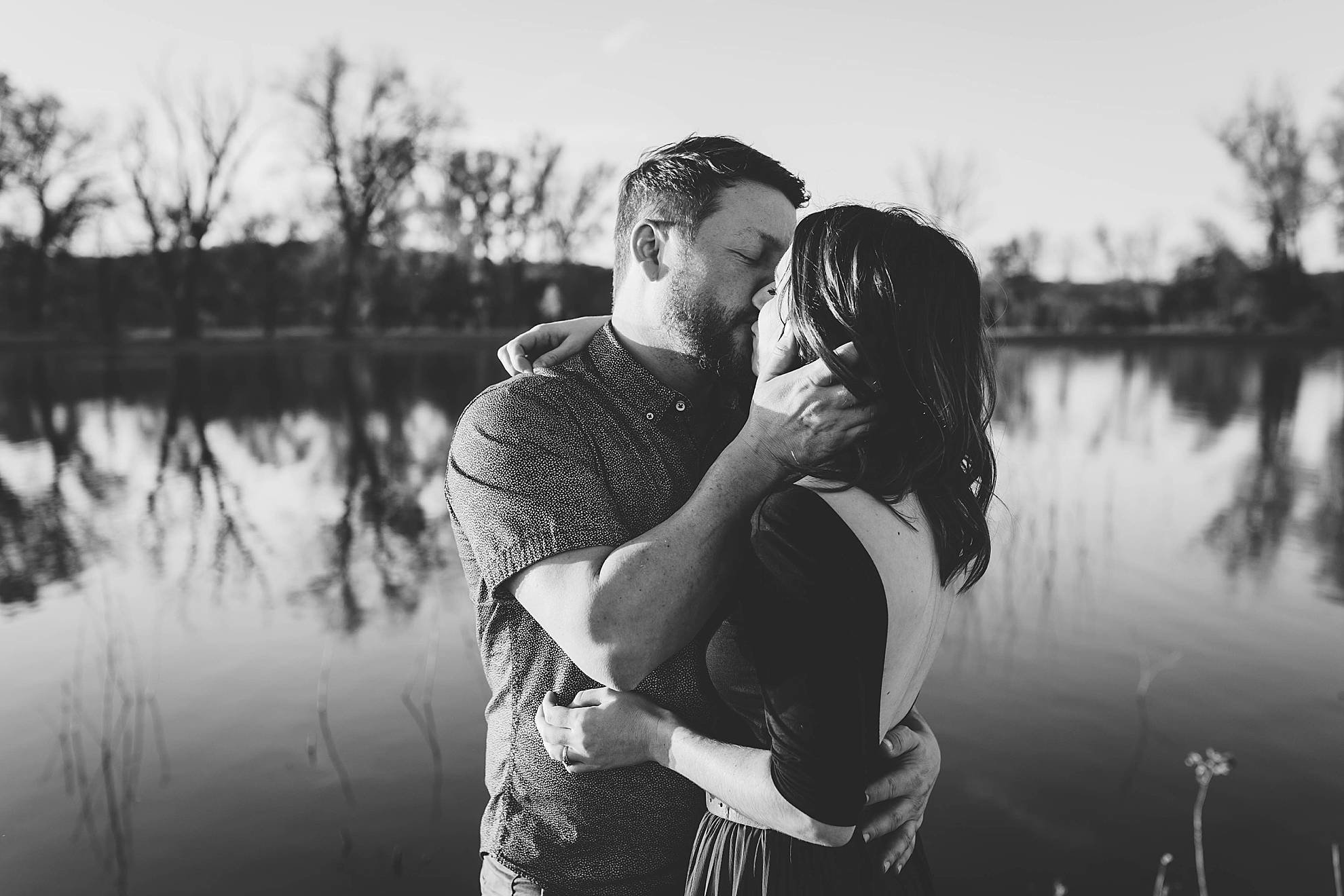 omaha engagement session, couple kissing