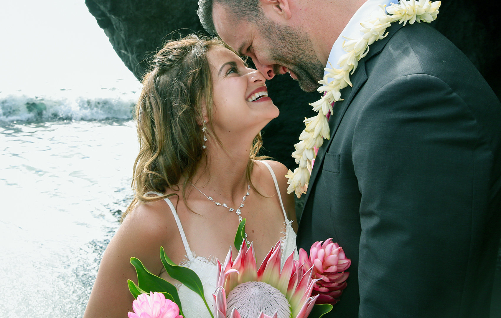 Wedding photographers in Oahu