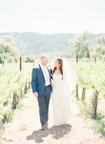 Bridal portraits of a Napa Wine Country Wedding by Fine Art Film Wedding Photographers - Evonne & Darren Photography
