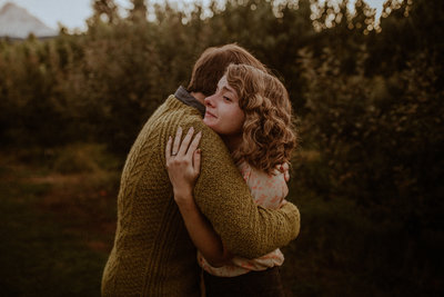 Oregon-Orchards-Engagment-photos-45