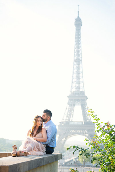 Paris photoshoot for loved up couples for any  romantic occasions.