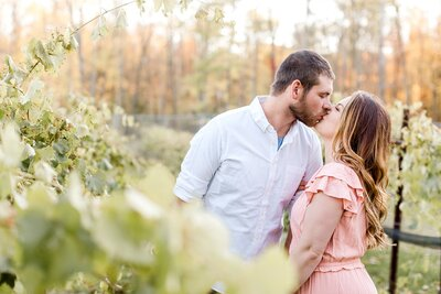 minneapolis-vineyard-engagement-photos-where-to-take-alexandra-robyn-photo_0013