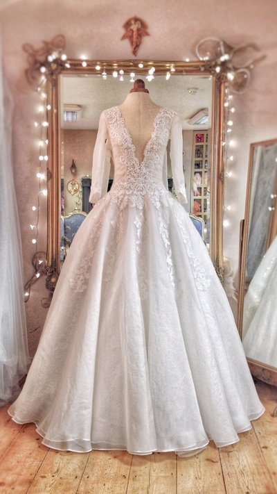 Sargent_silk_organza_illusion_neckline_ballgown_wedding_dress_JoanneFlemingDesign