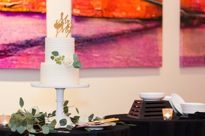 Cincinnati Wedding Photography // Off the Film Photography // Hotel Covington Wedding Cake