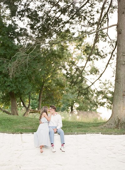 philadelphia-wedding-photographer-engagement-session-at-valley-forge-national-park-laura-eddy-photography_0001