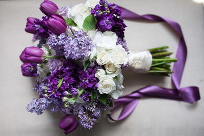 Detail photo of bridal bouquet at St. Louis Marriott
