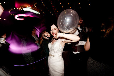 wild party wedding photography - the evening dancing unobtrustive