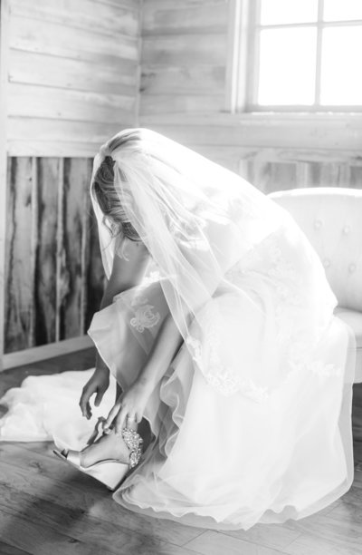 Elizabeth-HIll-Photography-Barns-At-Chipridge-Wedding-Photographer-Abingdon-VA-Wedding-Photographer-98