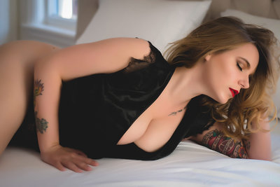 boudoir photos Courtney Engle