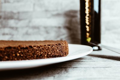 Chocolate-Olive-Oil-Cake-2-1440x960