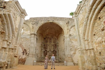 Stylish couple's engagement session at Mission San Juan Capistrano