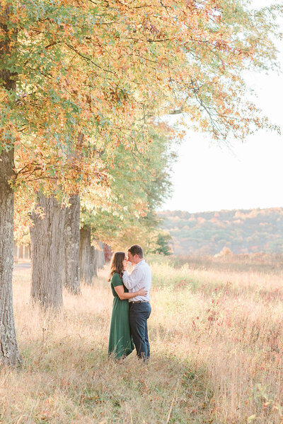 hudson valley wedding photographer delivering artistic images