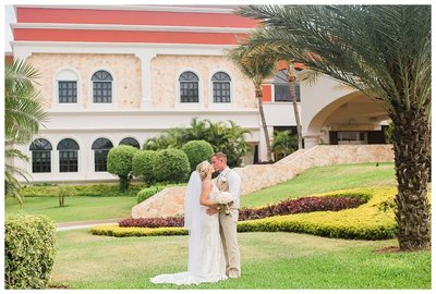 Chloe-Gino-Hard-Rock-Riviera-Maya-Mexico-Destination-Wedding_0033