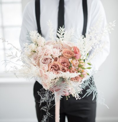 groom-with-flowers