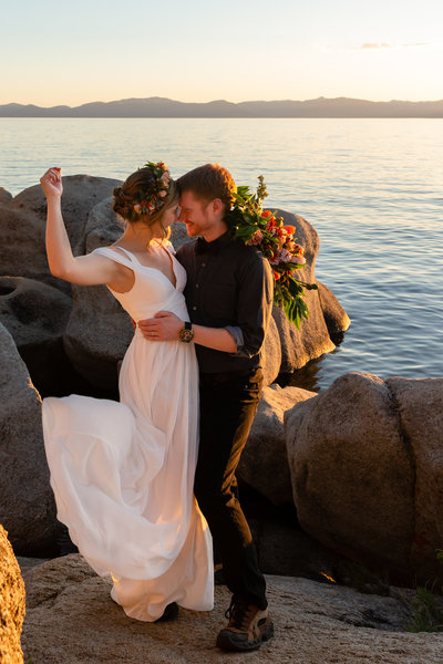This couple eloped in Lake Tahoe.