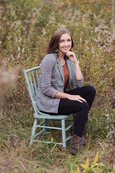 fall senior portrait session at barnes preserve in wooster ohio photographed by jamie lynette photography canton ohio senior photographer
