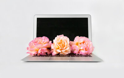 Open_laptop_flowers_full_horizontal3