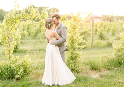 vineyards-at-pine-lake-wedding-allison-ewing-photography-best-sunset-4-1