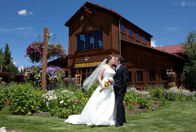 Breckenridge-Colorado-Ski-Resort-Wedding-Venue-Ten-Mile-Station