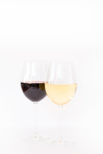 Amy & Jordan Demos | Online photography educators | Wine