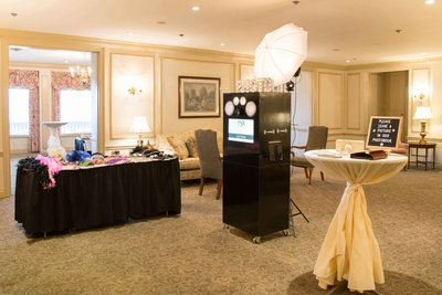 Classic Photo Booth Rental Philadelphia | Philly Snap Booth
