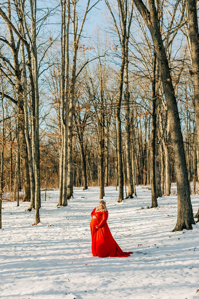 Snow maternity session