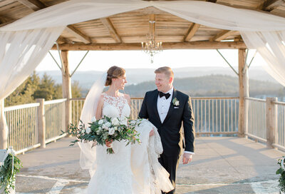 bride and groom wedding photo at le belvedere wakefield quebec laura kelly