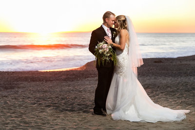 romantic sunset couple portrait casino san clemente wedding photographer