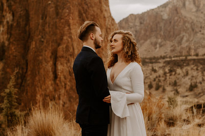 Sunrise elopement at Smith Rock in Oregon by Skyler and Vhan