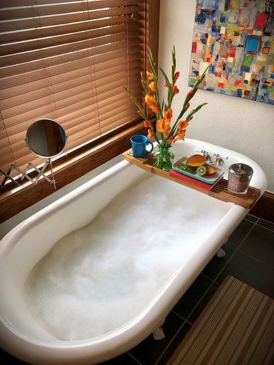 The antique bathtub is Nuttall is a favorite amenity of hotel guests.