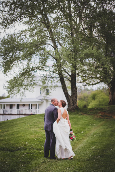 country-farm-wedding-first-look