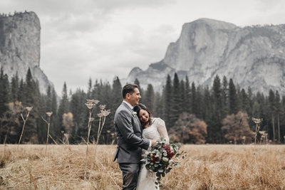 athena-and-camron-how-to-elope-in-yosemite-valley-lower-valley-woods14