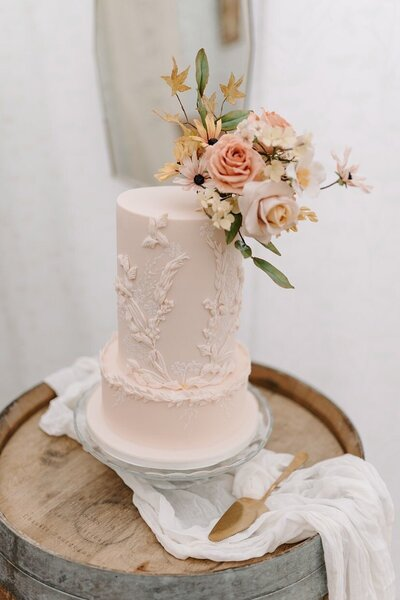 Peach 2 tier autumnal floral wedding cake Oxford | MonAnnie