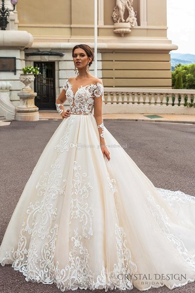 long-sleeved-princess-royal-train-wedding