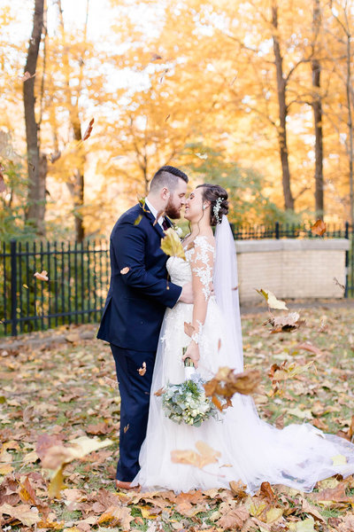 November wedding at Laurel Hall, Indianapolis, Indiana