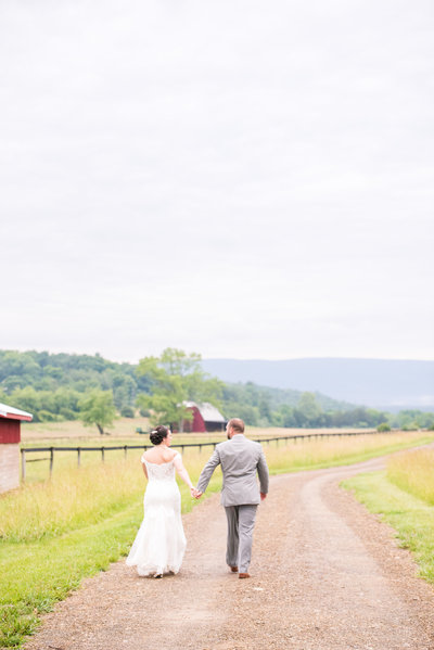 River Uplands Farm Milboro Virginia Rustic Outdoor Barn Wedding Marena Claire Photography_0079