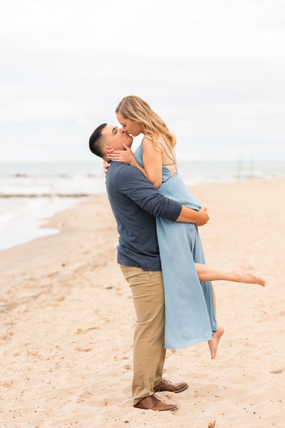 Milwaukee Beach Engagement Photos-Atwater Beach Engagement