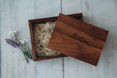Wooden USB photography box with florals