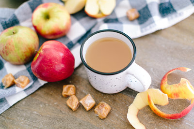 Hot cocoa and apples | Tucson Wedding Photographer | West End Photography