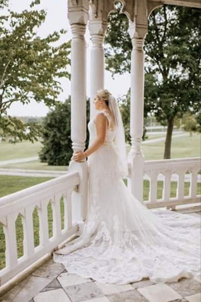 Lynwood Estate - Kentucky Wedding Venue - Bride on Front Porch
