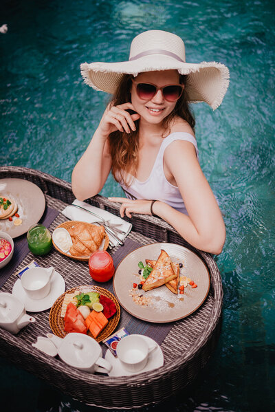 MorganeBallPhotography-Bali-Day03-partie01-PoolBreakfast-GoyaHotel-040- 6255