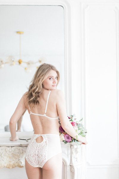 Jessica photography boudoir photoshoot Paris Parijs Bridal shoot Pont Alexandre Daalarna Couture Bloomfeld luxury bridal CHPTR-S maison nouvelle fine art-27