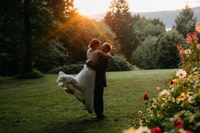 couples portrait at sunset during Bridal Veil Lakes wedding