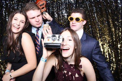 graduation-parties-photo-booth