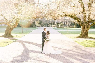 Seattle Cherry Blossoms Wedding by Stormy Peterson Photography_0003
