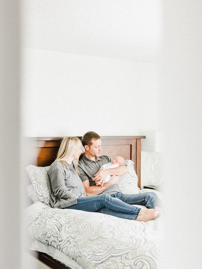 lifestyle-photography-session-newborn-home-oakville