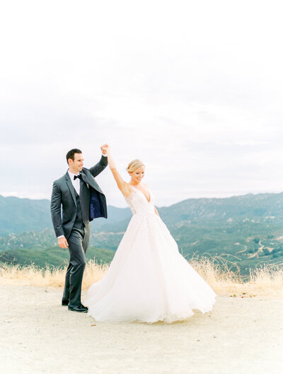 Roadside wedding portraits in California mountains