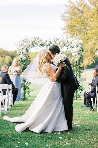 Dallas Southern Country Club Wedding by Megan Kay Photography at Glen Eagle Country Club (19)